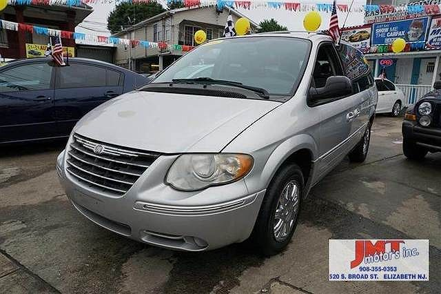 2005 Chrysler Town & Country Limited Edition