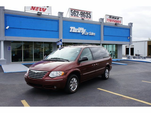 2007 Chrysler Town & Country Limited Edition