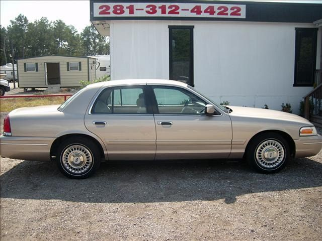 1998 Ford Crown Victoria Base