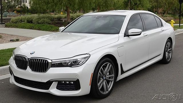 2017 BMW 7 Series 740e xDrive