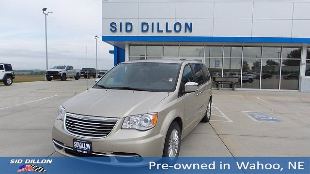 2014 Chrysler Town & Country Limited Edition