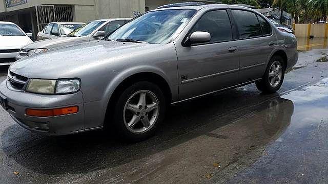 1999 Nissan Maxima SE Limited