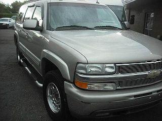 2004 CHEVROLET SUBURBAN 2500 LT