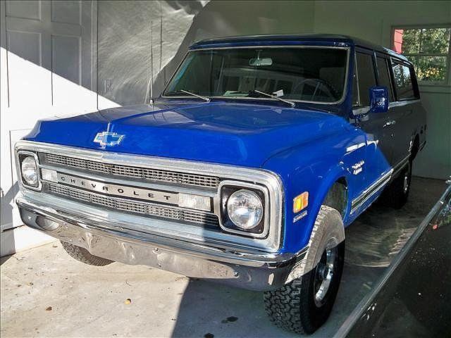 1969 Chevrolet Suburban 10